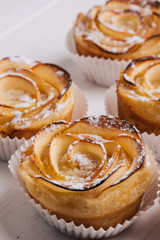 puff pastry with apple shaped roses