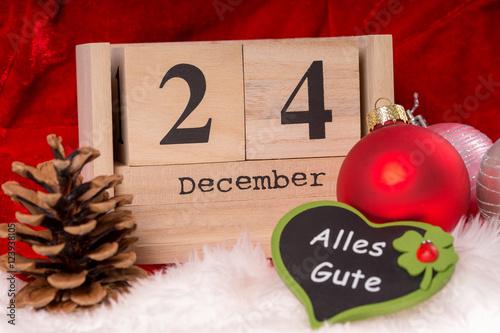 weihnachten holzw rfel mit dem datum 24 dezember und. Black Bedroom Furniture Sets. Home Design Ideas