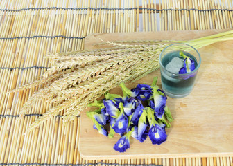 blue drink with butterfly pea flower herbal