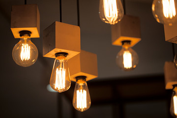 Электрические лампочки и бетон
