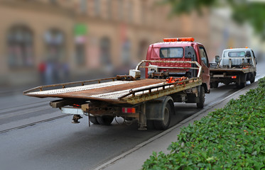Tow truck with  empty platform