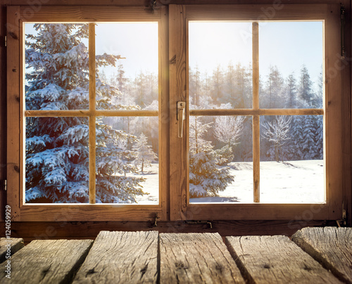 blick aus dem fenster einer holzh tte im winter stockfotos und lizenzfreie bilder auf fotolia. Black Bedroom Furniture Sets. Home Design Ideas