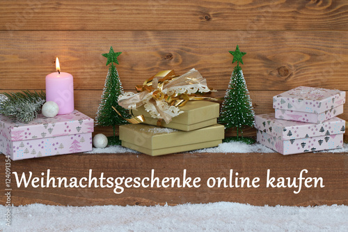 weihnachtsgeschenke online kaufen stock photo and. Black Bedroom Furniture Sets. Home Design Ideas