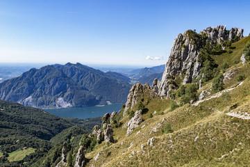 Lago di Como e le Alpi