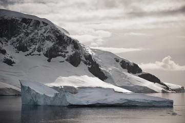 Mountains along the coastline;Antarctica