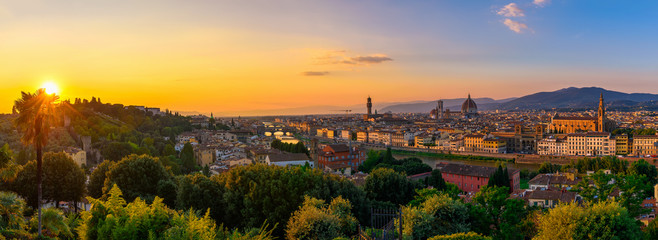 Door stickers Florence Panoramic sunset view of Florence, Ponte Vecchio, Palazzo Vecchio and Florence Duomo, Italy