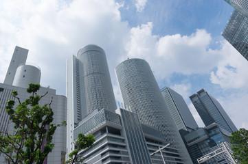 オフィス街の高層ビル群
