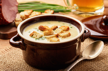 Beer soup with chicken fillet, ham and cheese.