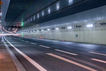 Foto op Plexiglas Tunnel Road tunnel without traffic