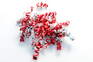Curly gift ribbons in red, white and silver