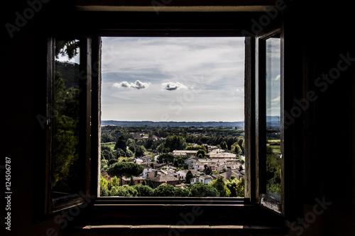 Una finestra sul mondo photo libre de droits sur la - Finestra sul mondo ...
