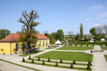 Neuzelle, Klostergarten mit Orangerie