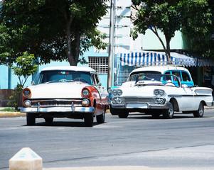 Türaufkleber Autos aus Kuba American Classic car on street in Havana Cuba