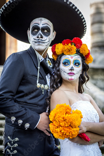 Catrin Y Catrina En Cementerio Stock Photo And Royalty Free Images