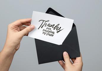 カードと封筒のモックアップ