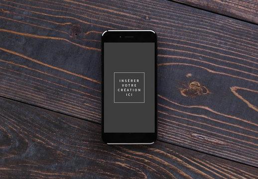 Maquettes compatibles iPhone sur du bois