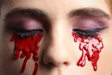 Eyes Make-up for the Halloween party