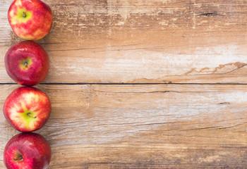 Fototapete - Apfel Rot Früchte Obst auf Holz Hintergrund