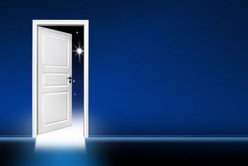 Offene Tür In Die Nacht
