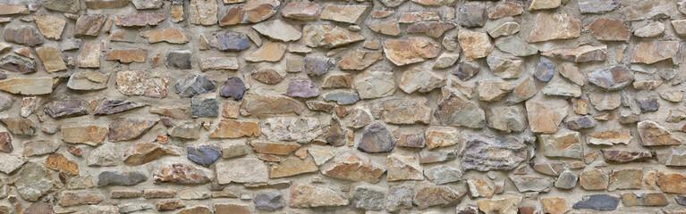 Natursteinmauer grob