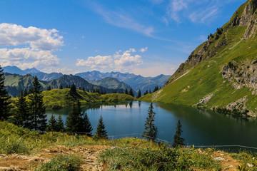 Ein schöner Bergsee