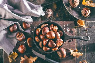 Heiße Maronen (frisch zubereitet)