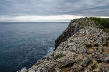 Steinige Küste in Nordspanien
