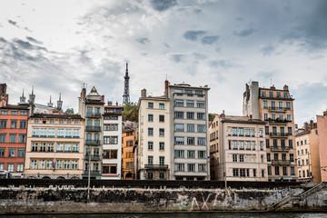 Le vieux Lyon vu depuis la Promenade du défilé de la Saône à Lyon