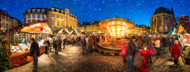 Weihnachtsmarkt Panorama in Deutschland im Winter