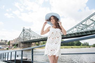 Frau mit Hut Fashion Outdoor