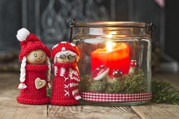 Weihnachtsfiguren mit Kerze