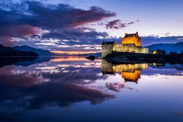 Eileen Donan Castle at Night