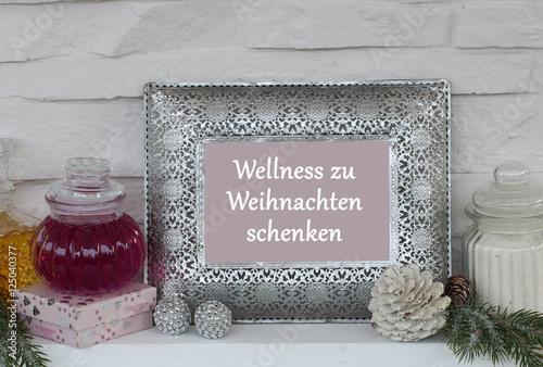 wellness zu weihnachten schenken stockfotos und. Black Bedroom Furniture Sets. Home Design Ideas