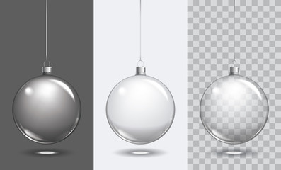Foto op Plexiglas Bol Vector christmas glass ball on transparent background. Xmas ball