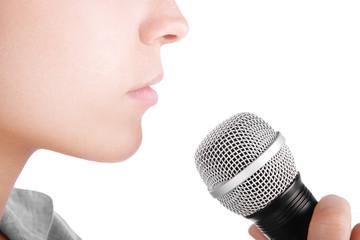 Microfono con bocca cantante o discorso o intervista