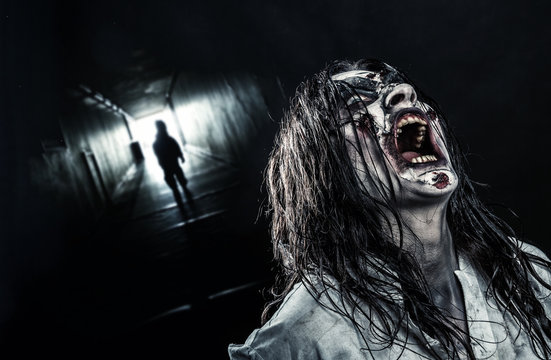 The shouting female zombie