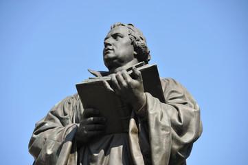 Lutherdenkmal, Martin Luther, Denkmal, Reformation, Bibel, Neues Testament, Theologie, Kirche, Thüringen, Erfurt