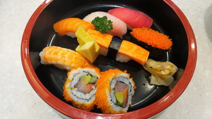 Autocollant pour porte Sushi bar Closeup to japanese food sushi set. fish sushi with salmon caviar