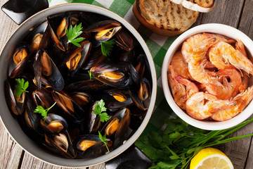 Mussels and shrimps