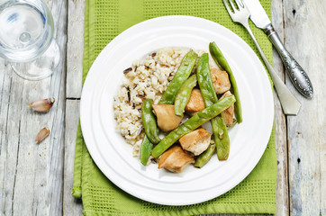 Balsamic chicken with green beans and brown rice