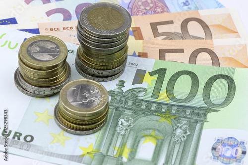 Geld Euroscheine Und Münzen Stockfotos Und Lizenzfreie Bilder Auf