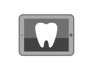 タブレット端末に映る歯のレントゲン写真イメージ
