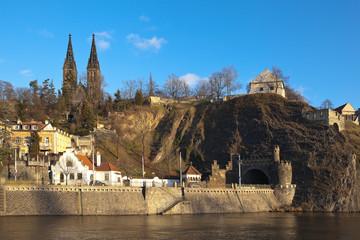 Вышеград. Вид на собор Святых Петра и Павла и тоннель. Прага. Чехия