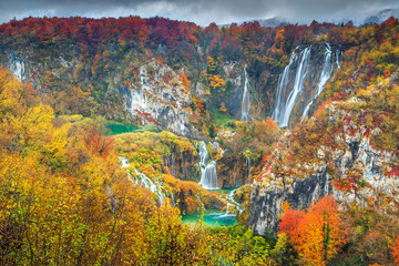 Wall Mural - Spectacular autumn landscape with magical waterfalls in Plitvice lakes,Croatia