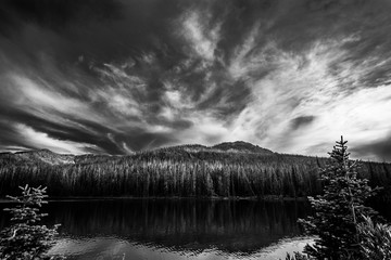 Wall Mural - Black and white Sylvan Lake