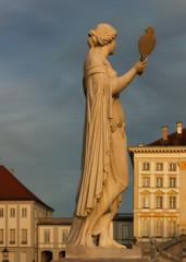 Statue Standbild Bildhauer freistehende Skulptur Plastik Schloss Nymphenburg München Sehenswürdigkeit  münchen