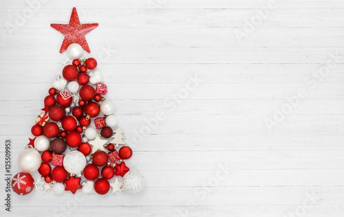 weihnachten weihnachtsbaum aus kugeln stockfotos und lizenzfreie bilder auf. Black Bedroom Furniture Sets. Home Design Ideas
