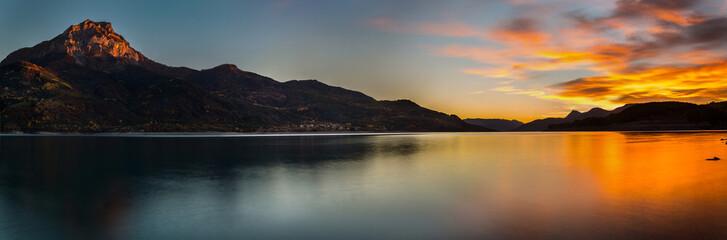 Lac de Serre-Ponçon France