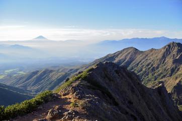 八ヶ岳キレットから富士山