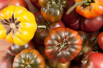 varieties of heirloom tomatoes